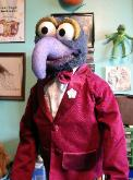 Gonzo poser puppet by Terry Angus